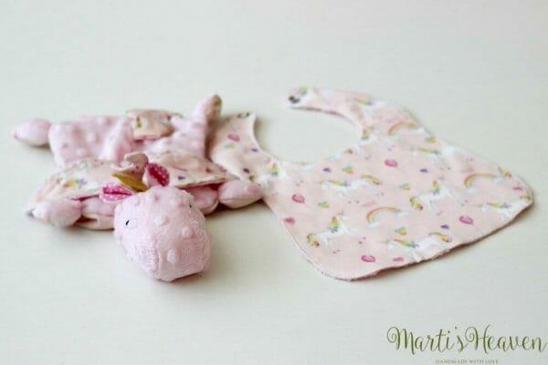 Розов комплект за подарък на бебе момиченце